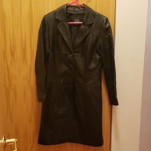 Leather trenchcoat. Womens M.